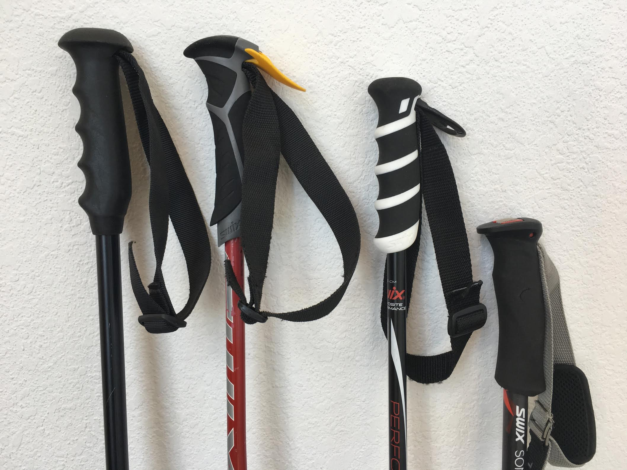 How To Size Ski Poles - EliteSkiing.com